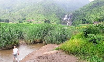 Sasasa Waterfall, near Usisya